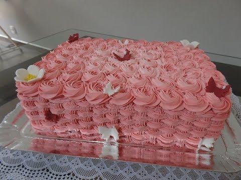 Bolo Cesta De Rosas Decorado Em Chantilly E Detalhes Em Pasta