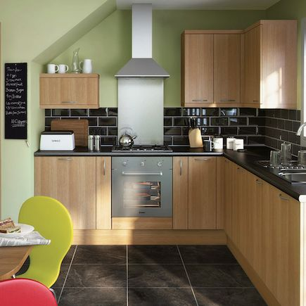 Kitchen homebase essential stratford for Kitchen ideas homebase