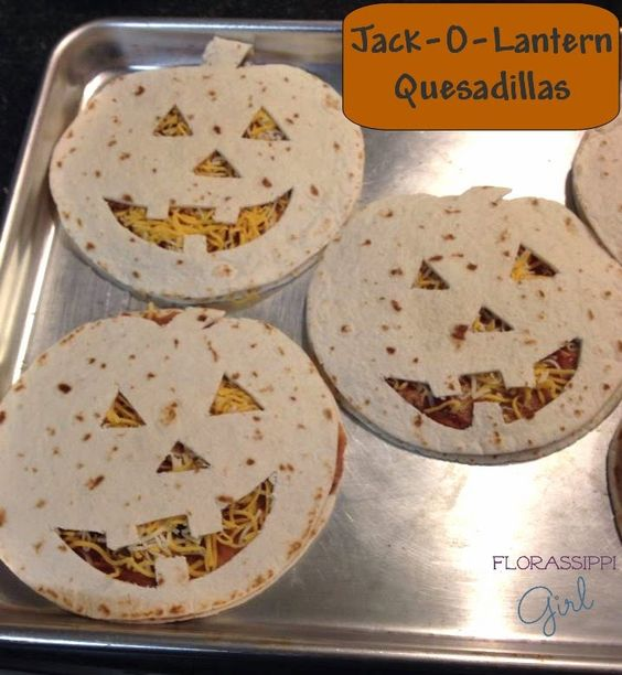 Jack-O-Lantern Quesadillas - Cute, Quick, & Easy! The perfect dinner for Halloween Night! by Florassippi Girl: