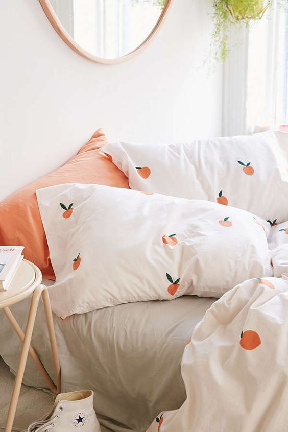 Slide View: 3: Peaches Pillowcase Set