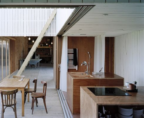 Pocket : The World Is His Oyster: A Modern Fishing Shack by the Sea by Julie