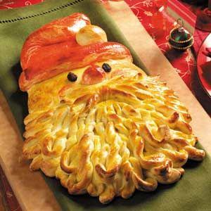 Santa Bread! Everyone loves this when i make it and its easy!!! Http://www.tasteofhome.com/Recipes/Golden-Santa-Bread