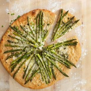 spring pizza! asparagus, fontina, and garlic pizza..yum.