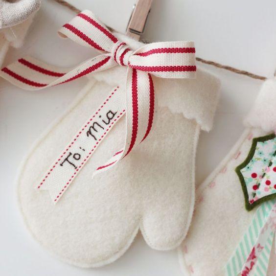 Lovely felt mittens