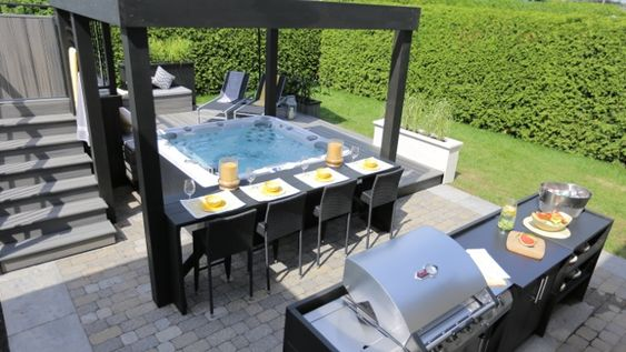Aménagement extérieur autour d\'un spa - lounge - salon - coin ...