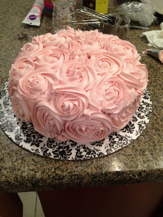 Cake Decorating Tips Roses : Rose cake. Buttercream with an m2 Wilton tip. Desserts ...