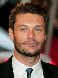 Seacrest inks new deal to host idol for two seasons