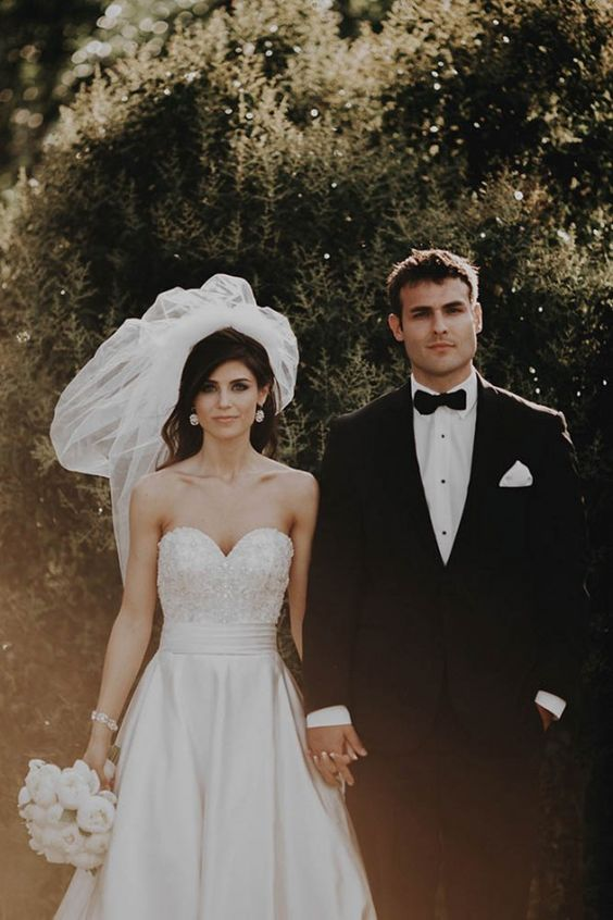 36 Amazing Real Wedding Portraits We Heart