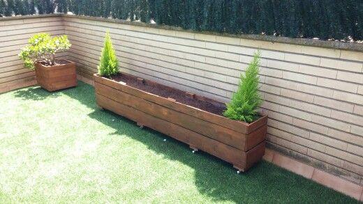 Conjunto de macetas para jardin hechas con palets piezas for Jardin colgante con palets