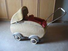 Puppenwagen 50er, meiner steht noch auf dem Dachboden