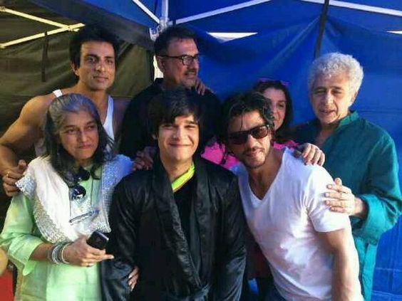 Everyone celebrating Vivaan Shah's Birthday on the sets today!   Leave a comment below to send your birthday wishes to Vivaan Shah