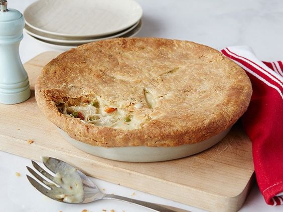 Recipe of the Day: The Pioneer Woman's 5-Star Chicken Pot Pie Under a blanket of buttery, thyme-flecked pastry dough, you'll find bite-sized chicken and tender veggies bound together in a thick, creamy gravy. When Ree sets out to make chicken pot pie, she makes extra to fill the freezer for dinners in a hurry.