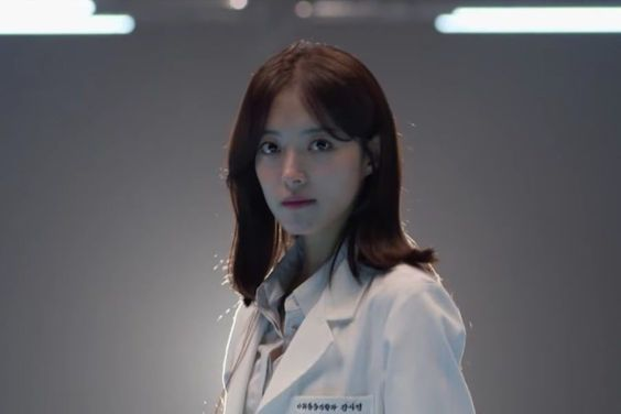Watch: Lee Se Young Extends A Helping Hand To Ji Sung In Teaser For New Medical Drama