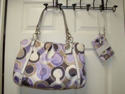 COACH ALEXANDRA TOTE 16230 WITH MATCHING COACH WRISTLET (06/28/2011)