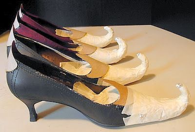 diy witch shoes - for decoration.  Might work for Elf shoes for Christmas or Leprechaun Shoes for St. Patrick's Day.