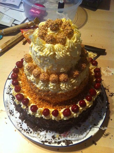 Buttercreme-Torte mit Giotto
