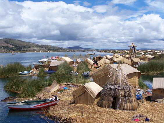 02◑ Sacral chakra: Lake Titicaca, on the border of Bolivia and Peru