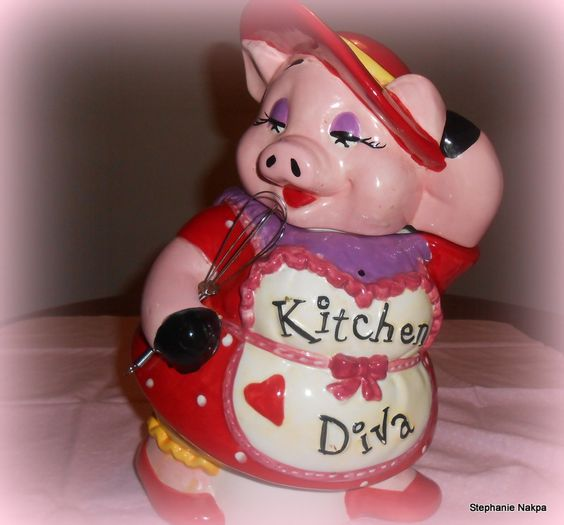 The kitchen diva pig cookie jar.