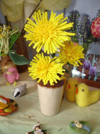 felt dandelion - great for spring nature table