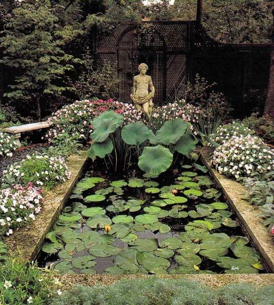 gartenteich geometrisch skulptur wasserlilie pflanzen. Black Bedroom Furniture Sets. Home Design Ideas