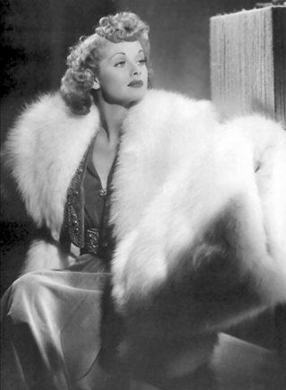 1950s HOLLYWOOD VINTAGE GLAMOUR - Sumptious Luxurious  Soft Marabou Feather Shrug Wrap Stole -  Ivory: