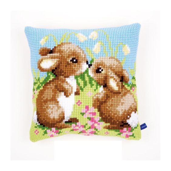 Stickpackung Kissen Hasenpärchen, Kreuzstich vorgezeichnet, Sticken und Stricken - alles zum Sticken im Kreuzstich sowie Wolle zum Häkeln und Stricken, 25,95 €