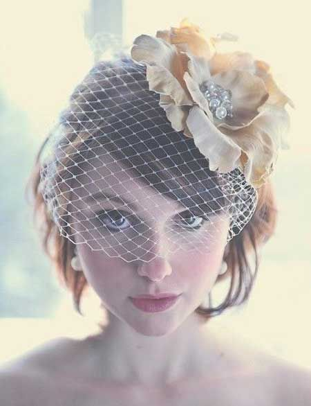 Wedding Short Hairstyles for Women---Like the idea of the flower/bird cage headpiece,: Short Hairstyles For Women, Short Wedding Hairstyles, Wedding Veils, Weddings Hairstyles, Birdcage Veils, Wedding Ideas, Hair Style, Retro Wedding Hairstyles