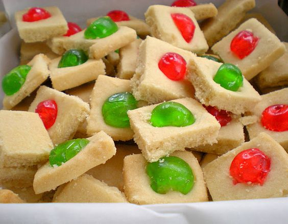 shortbread with candied cherries: Based Goodies, Christmas Cookies, Christmas Goodies, Christmas Recipes, Shortbread Cookies, Shortbread Recipes, Time To Bake