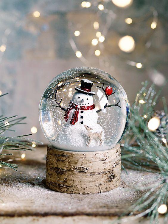 Decoração de natal com garrafa pet - globo de neve para crianças |
