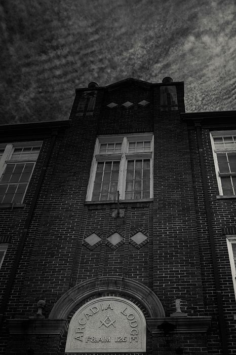 Black and white fine art architectural photo of what was at one time Freemason Lodge in Arcadia, Louisiana. #louisiana #architecture #blackandwhite #monochrome