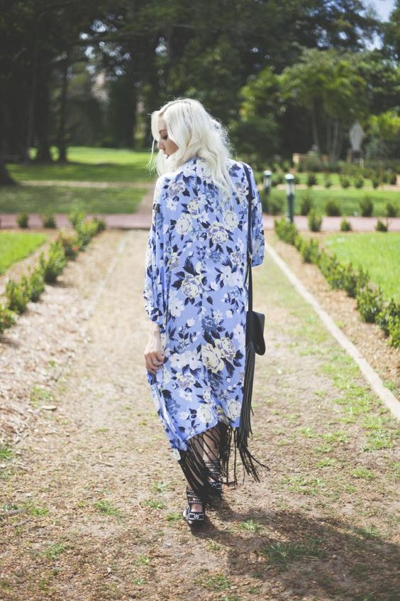 Ashleigh from Luna Marie Style in the Ice Flower Kimono || Get the kimono: http://www.nastygal.com/clothes/ice-flower-fringe-kimono?utm_source=pinterest&utm_medium=smm&utm_term=ngdib&utm_content=nasty_gals_do_it_better&utm_campaign=pinterest_nastygal