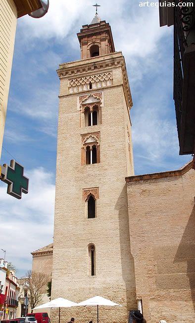 Imponente torre mudéjar de la iglesia de San Marcos, Sevilla