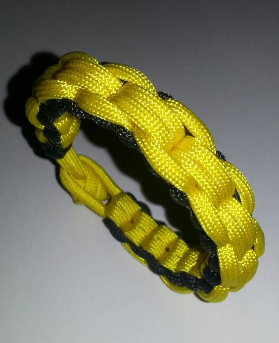 Unique Chainlink Braid Handmade Paracord by MonkeyFighterPCord, $8.00