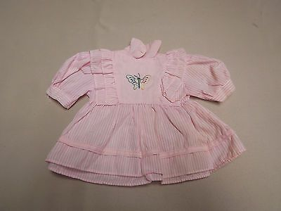 Puppenkleidung-Kleid-rosa-weiss-gestreift-mit-Schmetterling-1469-PK
