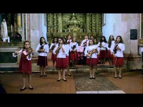 Os Violinhos na Igreja da Arrentela com Móveis SANPER