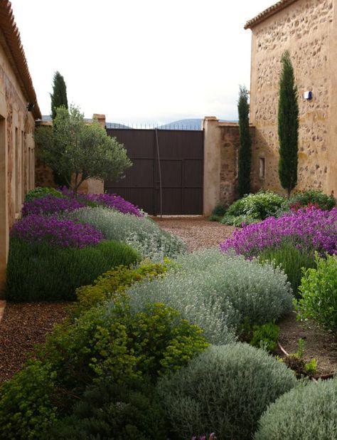 Mediterraner Garten Hinterhof Gestalten Ideen