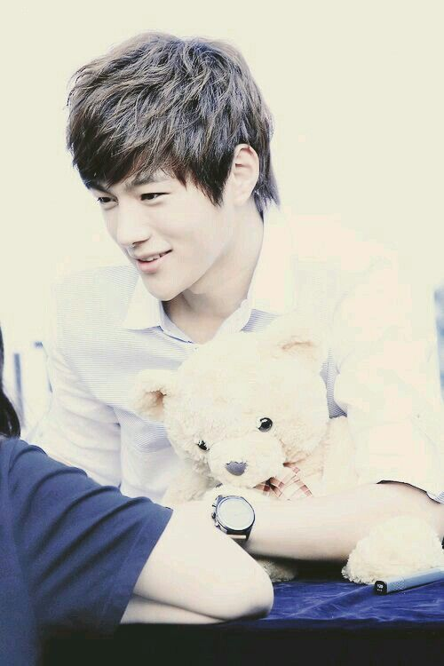 Myungsoo/L with a teddy bear. HOW CUTE CAN THIS GET?!??!
