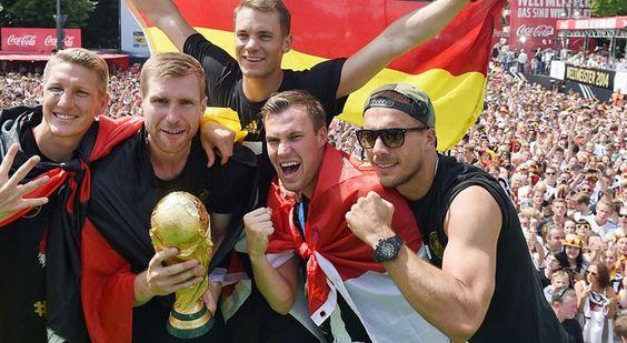 Jubel vor den Massen: die WM-Helden