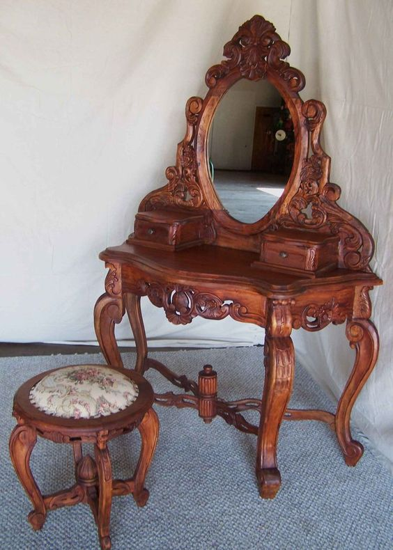 Antique Bed Stool: Victorian Dressing Table With