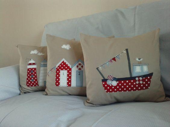 Para la imaginaria casa de la playa: Seaside Cushions, Nautical Cushions, Ship Cushions, Cushion Covers, Applies Cushions, Nautical Appliques, Beach Cushions