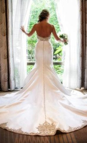 Victor Harper Couture '209' size 10 used wedding dress - Nearly Newlywed