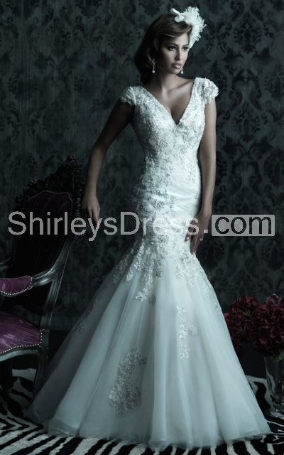 Elegant Cap-sleeved V-neck Mermaid Silhouette Lace, Organza and Net Wedding Gown