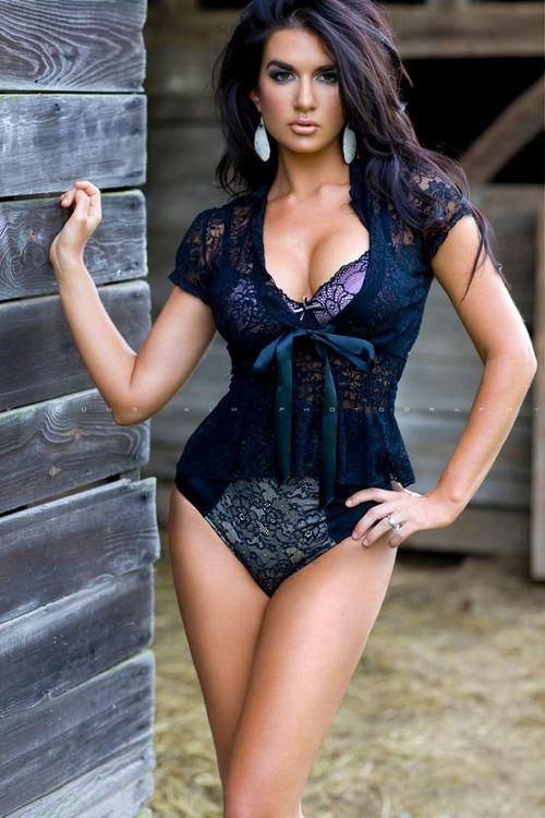 sexy-latin-babes:  Latina Babe