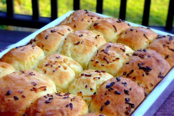 Ratner's Onion rolls