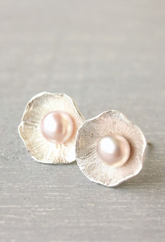 Light Pink Pearl stud earrings / romantic pearl earrings / pink pearl earrings / Wedding fine silver Handmade