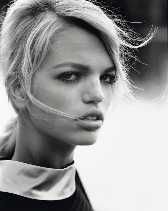 pelt: Arizona Muse & Daphne Groeneveld: Self Service