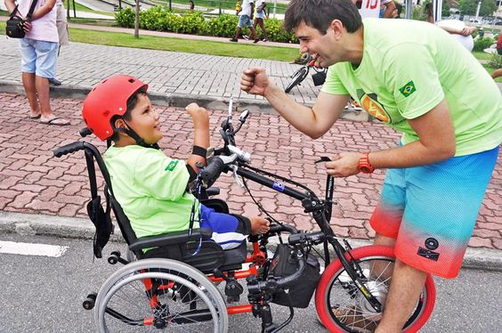 Engenheiro investe em novas tecnologias para cadeirantes