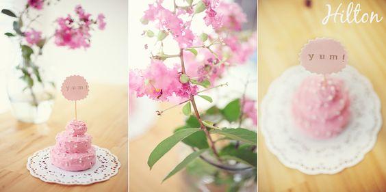 DIY sugar cookie wedding cakes - LOVE IT!