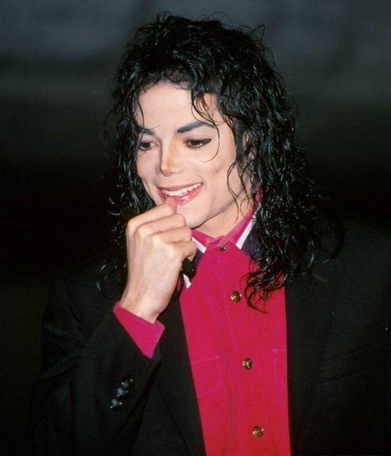 ニッコリ笑顔のマイケルジャクソン