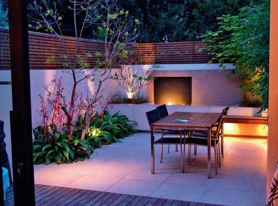 Beleuchtung Idee für einen kleinen Garten mit Terrasse Garten - garten gestaltungsideen fur kleine garten